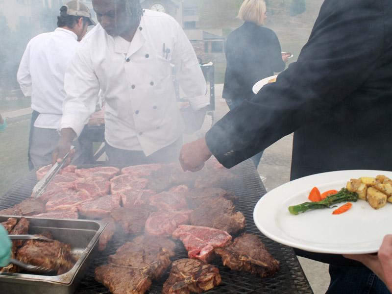 tbone-classic-grilling-steaks